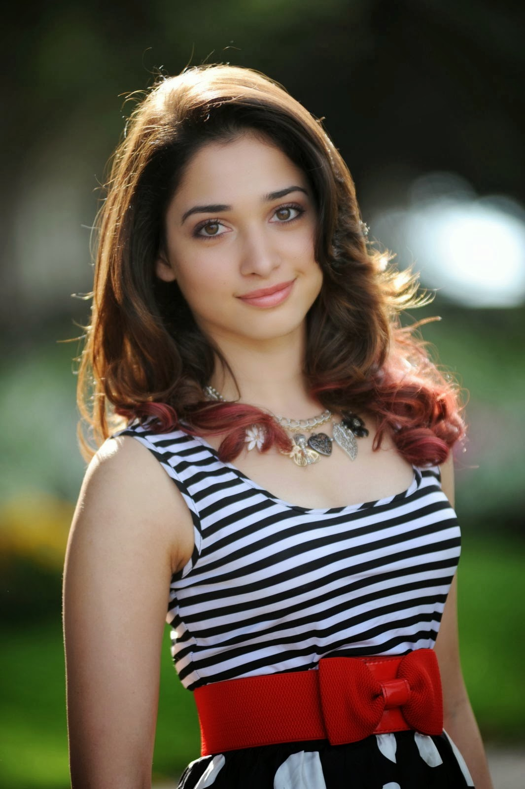 Top 15 Bollywood Actres Tamanna Bhatia Hd Wallpepar Free -8977